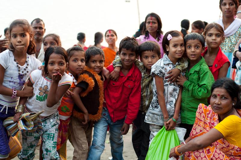 Nens en una puja a Tezpur